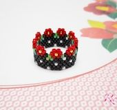☆ The red snowball is a nice bead stitching ring on black ground. ☆ Because we are knitting with delica beads, it is supple, comfortable to wear. ☆ The size range is around 13.5 - 14.5 and the width is about 1.1 cm. ☆ Because of the finished product size can not be changed, please enjoy with your favorite fingers.