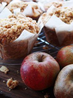 Cider_apple_muffins