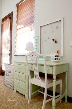 Chippy mint desk makeover. So cute! Plus more gray white mint girls bedroom ideas! | lollyjane.com