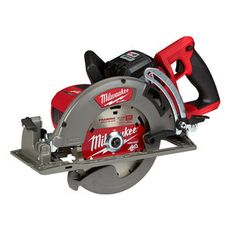 POWERSTATE Brushless motor: purposely built for the FUEL rear handle in. circular saw to generate the power and performance of a 15 A corded circular saw. FUEL Rear Handle in Circular Saw, Bare Tool. Milwaukee Tools, Milwaukee M18, Led Work Light, Work Lights, Rip Cut, Dust Extractor, Worm Drive, Cordless Power Tools, Cordless Circular Saw