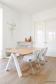 1.-Interieurontwerp-kantoorinrichting-Inzicht-Communicatie-Amsterdam-©BintiHome-studio1.jpg (700×1049)