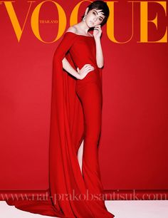 March issue Vogue Magazine Covers, Fashion Magazine Cover, Fashion Cover, Vogue Covers, High Fashion Photography, Photography Women, Faye Wong, Poses, Fashion Addict