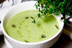 Godaste broccolisoppan på 10 min | Catarina Königs matblogg Baking Recipes, Soup Recipes, Recipies, Vegan Recipes, Vegan Food, Swedish Recipes, Cheeseburger Chowder, Paleo, Keto