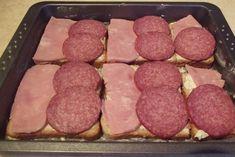 Sandwich-uri aperitiv preparate la cuptor - Rețete Merișor Sausage, Sandwiches, Food And Drink, Pizza, Recipes, Sausages, Recipies, Ripped Recipes, Paninis