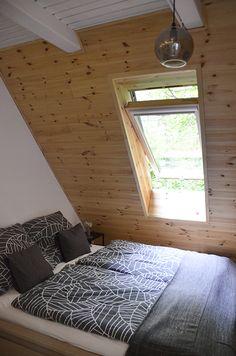 Erdei Kisház projekt teljesítve | juditu Wooden House, Contemporary, Rugs, Home Decor, Farmhouse Rugs, Decoration Home, Room Decor, Home Interior Design, Rug