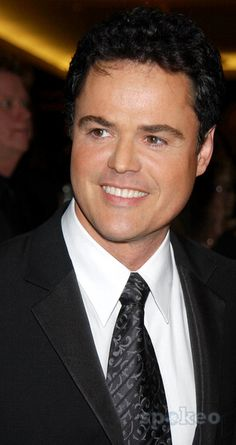 Photo by: Walter Weissman STAR MAX, Inc. - copyright 2003. 5/16/03 Donny Osmond at the 39th Annual Daytime Emmy Awards. (NYC)
