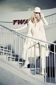 Модели - Stina Rapp Wastenson And Frida Aasen  Фотограф - Ellen Von Unwerth  Издание - Vogue Japan December 2014