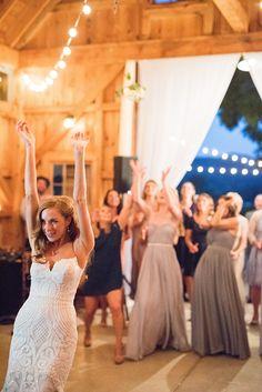 20 Best Wedding Bouquet Toss Images