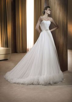 A gorgeous gown...Class !