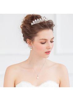 ティアラ パール風 上品なデザイン ヘッドドレス クラウン ウェディング HP15019 価格 ¥5,508
