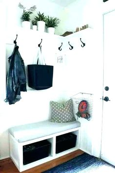 Front entry wall ideas decor foyer entryway art eclectic with wood Entryway Wall Decor, Entry Wall, Hallway Decorating, Home Decor Bedroom, Living Room Decor, Front Entry, Door Entry, Front Doors, Small Corner Table