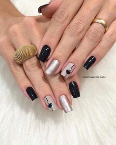"""💅🏻 Esmaltes: """"Preto"""" e """"Dona da Jogada"""" da Novo Toque 📸 . Manicure E Pedicure, Beauty Nails, Nail Designs, Lily, Nail Art, Valentines, Chocolate, How To Make, Blog"""