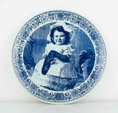 Vintage  Beautiful Delft Blue plate.