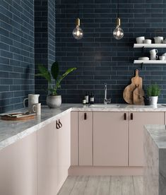 Pale pink kitchen with dark blue tiles    Colour in the kitchen - FIRST SENSE