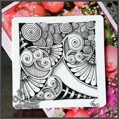 Traditional black and white tile. Zentangle Drawings, Doodles Zentangles, Zentangle Patterns, Black And White Tiles, Black And White Abstract, Zen Doodle, Doodle Art, Zen Art, Mandala Art