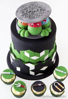Torta delle Tartarughe Ninja con decorazioni in pasta di zucchero n. 04