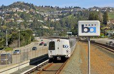 San Francisco train system plans to run solely on clean, renewable energy #BART #BayArea #renewableenergy #technews