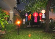 Our beautiful handmade Thai garden lanterns add that little bit of pazazz to any garden, They are ideal for garden parties or as a decorative surround when dining outdoors. Simply open them up, light the supplied candle and hang them around the garden with the attached string.   The lanterns are also ideal for hotel water features, pool parties or anywhere outside your home.