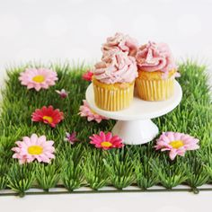 Grass Place Mat - Can be snapped together to make a table runner.  Great table idea for Easter or Summer Party.