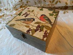 une boite à bijoux en bois, collage de serviette chinoiserie pour un effet vintage et deco orientale