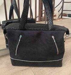 Kris Fabrik sur Instagram: Que dites vous d'un grand sac pour glisser tout votre bazar qu'on a besoin avec l'arrivée du froid. Je vous montre mon nouveau sac que je…