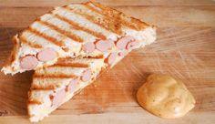 Recept voor tosti met knakworst en nog twee ingrediënten én Clavé Broodje Unox Saus. LEKKER! #gewoonwateenstudentjesavondseet Food Obsession, No Cook Meals, Sandwiches, Easy Meals, Bread, Cheese, Snacks, Ethnic Recipes, Diners