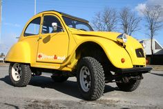 #Yellow #4x4 Citroen 2CV