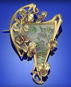 GOLD, ENAMEL, RUBY AND DIAMOND ART NOUVEAU BROOCH/PENDANT, CIRCA 1900. #ArtNouveau #brooch #pendant