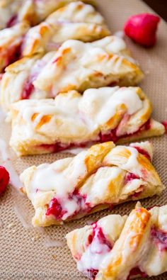 Homemade Raspberry Danish Tutorial and Recipe-- I love this flaky, buttery, fruity pastry recipe! Köstliche Desserts, Delicious Desserts, Dessert Recipes, Yummy Food, Health Desserts, Bite Size Brunch, Bite Size Breakfast, Brunch Recipes, Sweet Recipes