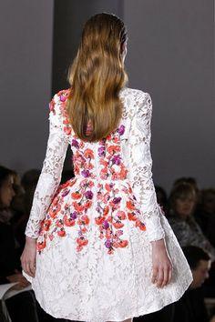 Mis Queridas Fashionistas: Giambattista Valli - Spring/Summer 2014- Paris Haute Couture Fashion Week