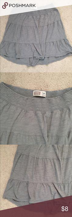 Gray hi low maternity skirt Great gray hi low skirt maternity medium Old Navy Skirts High Low