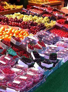 Rue Cler market