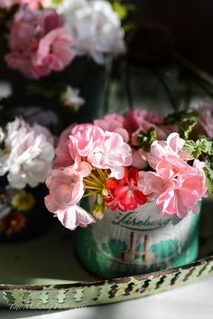 FLOWERS by titti & ingrid. Styling and photography Titti Malmberg/HWIT BLOGG.