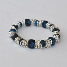 bracelet_navyblueglasssilver2.jpg 576×576 pixels