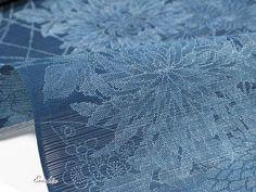 「竺仙/ちくせん 絽小紋中形(本藍染錐彫り/四季花)」職人の技と心が詰まった美しい着物と帯が《姫路・呉服えり新》の本領です。出来ればお手にとってご覧いただきたい、そんなお品の数々をお届けいたします。和装小物を含めたコーディネートでのご提案もいたします。