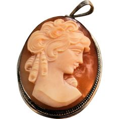 Antique Shell Cameo Pendant Sterling Silver Marked 925 Vintage 19th Century Hand Carved from @antikavenue on @rubylane #antiquecameo #cameos