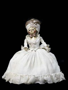 This 'Queen Anne' doll was made by an anonymous craftsman, probably in London.  Production Date: c. 1770 ID no: 46.13/1
