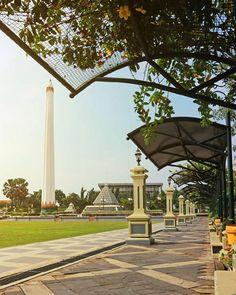 Location: Monumen Tugu Pahlawan, Surabaya, Indonesia Photo by: IG Beautiful Scenery, Most Beautiful, Surabaya, Random Things, Bali, Pergola, Places To Visit, Outdoor Structures, Kpop