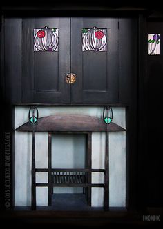 Follow this link to open a gallery of my Mackintosh pictures