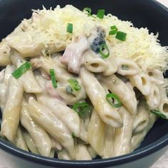"""Penne di papa Ladislao..."" Penne, Meat, Chicken, Ethnic Recipes, Food, Essen, Meals, Yemek, Pens"