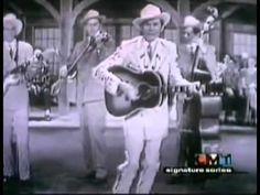 """Hank Williams Sr & Jr - """"There's A Tear In My Beer"""" >>> The only song Hank Williams Sr & Hank Williams Jr got to sing together :( I love Jr's proud face he gives to his Dad when he opens the door Country Music Stars, Old Country Music, Country Music Videos, Old Music, Country Music Singers, Country Artists, Country Songs, Hank Williams Sr, Thing 1"""