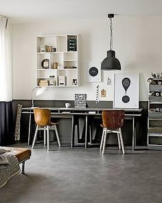 an organized desk declutters the mind