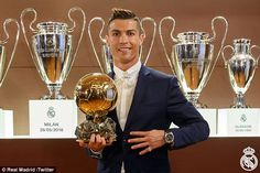 Real Madrid forward and Portuguese international, Cristiano Ronaldo has won the 2016 Ballon D'or prize beating Barcelona forward, Lionel Messi. Cristiano Ronaldo helped Real Madrid to a Champions League trophy last season and a Euro Cup triumph for Portug Lionel Messi, Football Awards, Fifa Football, Football Players, Gareth Bale, Cristiano Ronaldo Cr7, Neymar, Leicester, France Football