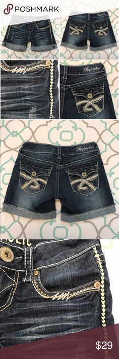 """💙👖SO CUTE Hydraulic Jean Short👖💙0 25 5"""" Inseam 💙👖Very Cute Hydraulic Jean Shorts👖💙 Size 0 (25). 4.75"""" Inseam. 6"""" Rise. Low Waist. 13"""" Across Back. Awesome Stretch. Medium Dark Blue Wash. Bright Fading & Whiskering. Cuffed Cut Offs. Sewn in Place for the perfectly rolled up look. Super Cute! Thick Stitching. Back Flap Pockets. Love these! Adorable! Hydraulic! Ask me any questions! : ) Hydraulic Shorts Jean Shorts"""