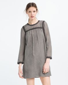 Image 1 de ROBE BRODÉE À CONTRASTE de Zara Zara Femme Robe 981c3aac7e1
