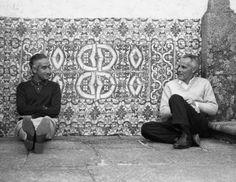 Cruzeiro Seixas e Mário Cesariny na Casa de Pascoaes. Mario Cesariny, Tapestry, Photography, Portraits, Inspiration, Image, Inspired, Decor, Social Science