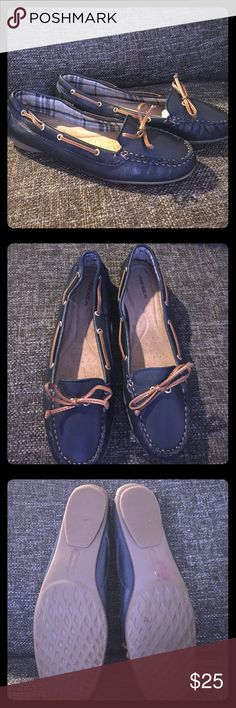 Navy blue flats Beautiful navy leather flats. They are nice and soft inside. The brand name in Andrea, they are good quality shoe brand. I only used them 1 time. ANDREA Shoes Flats & Loafers