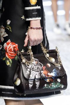 Dolce & Gabbana Autumn/Winter 2017 Ready-to-Wear Details | British Vogue