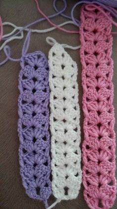 How To Crochet Headband Easily Bandeau Crochet, Crochet Headband Free, Crochet Mask, Crochet Bows, Crochet Crafts, Free Crochet, Lace Headbands, Crochet Headband Pattern, Crochet Flower Patterns