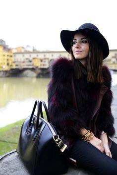 Lovely Peppa - Fur & Hat